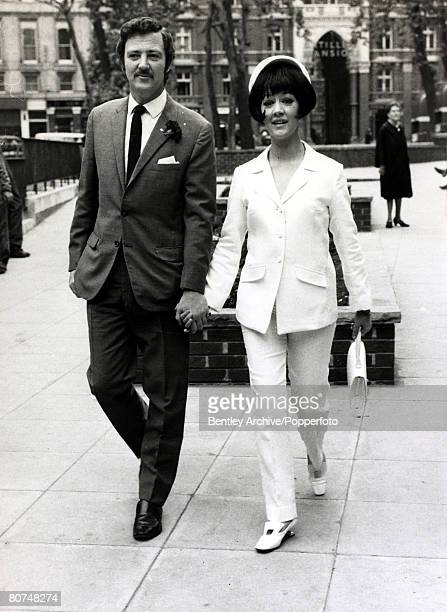 19th June 1967 English actress Amanda Barrie leaves Caxton Hall London with her husband Robin Hunter after their wedding Amanda Barrie born 1936 has...