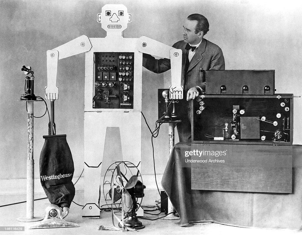 Televox, The Robot : News Photo