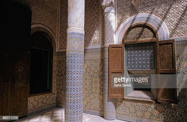 telouet kasbah courtyard - telouet kasbah photos et images de collection