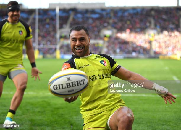 Telusa Veainu of Leicester Tigers celebrates scoring a second half try during the Aviva Premiership match between Wasps and Leicester Tigers at The...