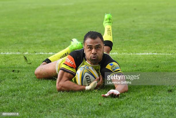Telusa Veainu of Leicester Tigers slides in to score a second half try during the Aviva Premiership match between Wasps and Leicester Tigers at The...