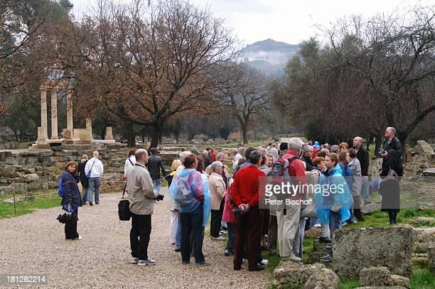 Tempelreste Ausgrabungsstätte in Olympia Griechenland Europa Mittelmeer ProdNr 188/2006 Antike antik Archäologie archäologische Stätte früherer...