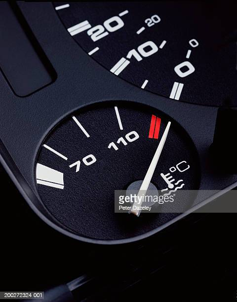 Temperature gauge for vehicle, close-up