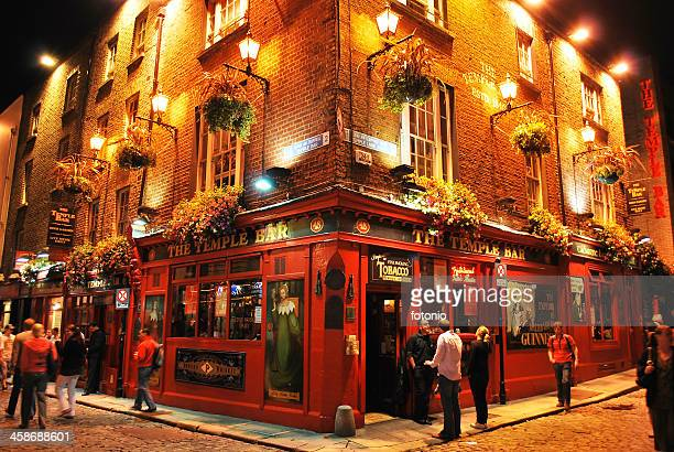 Temple bar by night, Dublin, Ireland