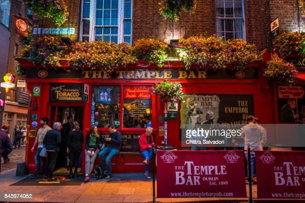 temple bar, dublin - temple bar dublin stock photos and pictures