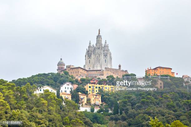 temple expiatori del sagrat cor at tibidabo in barcelona, spain - sagrat cor stock pictures, royalty-free photos & images