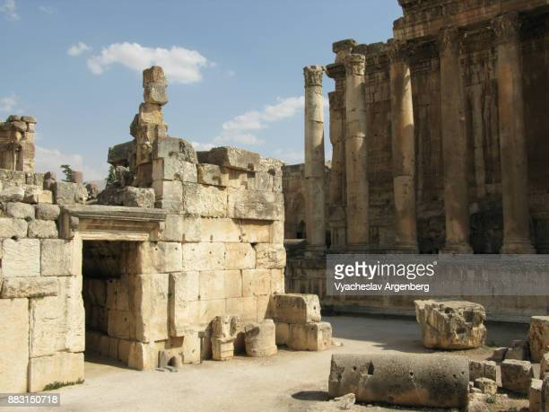 temple of bacchus in baalbek (roman heliopolis) - argenberg stock pictures, royalty-free photos & images