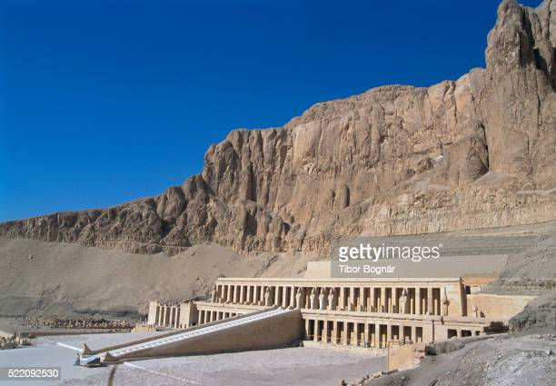 temple of hatshepsut - luxor thebes stock pictures, royalty-free photos & images