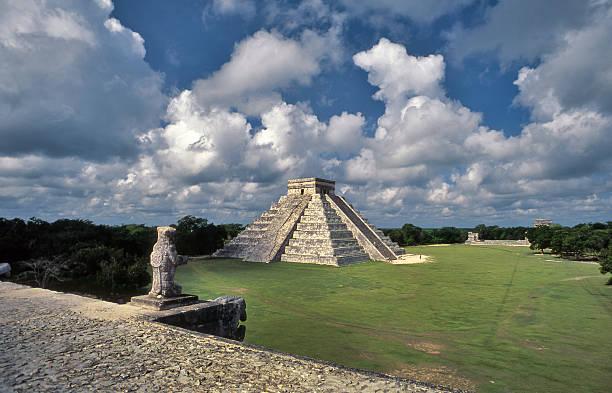 Temple of Kukulkan in Chichen Itza, Yucatan