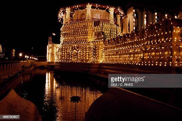 Temple of Sacred Tooth which houses the relic of the tooth of Buddha Royal Palace of Kandy sacred city of Dandy Sri Lanka Night