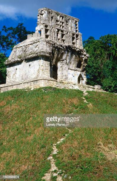 temple of the cross or templo de la cruz in palenque. the temple was dedicated in 692ad to the power of chan bahlum (serpent-jaguar) and son and successor of pacal. - son la stock pictures, royalty-free photos & images