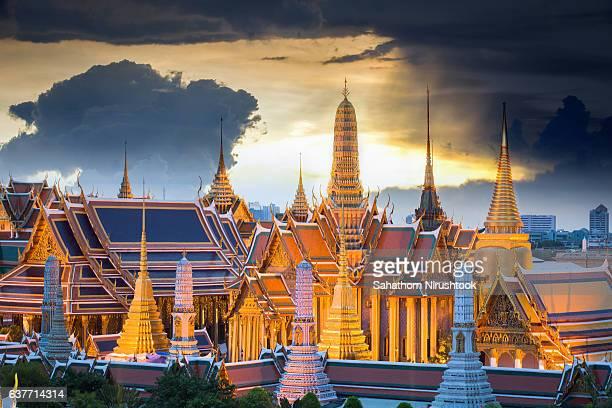 Temple of the Emerald Buddha, Wat Phra Kaew (Bangkok, Thailand)
