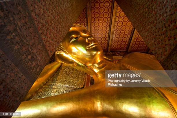 temple of the reclining buddha, bangkok - wat pho stock pictures, royalty-free photos & images