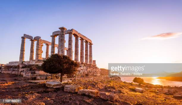 temple of zeus at sounion - images ストックフォトと画像