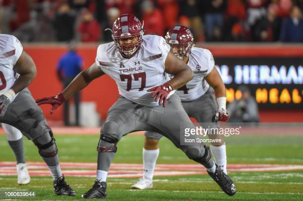 Temple Owls offensive lineman Jaelin Robinson prepares to pass blcok during the football game between the Temple Owls and Houston Cougars on November...