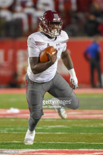 Temple Owls running back Ryquell Armstead looks for running room during the football game between the Temple Owls and Houston Cougars on November 10...