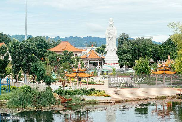 temple - thailandia stock photos and pictures