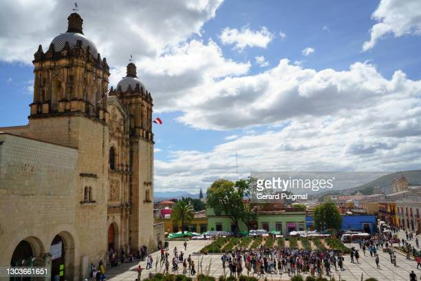 """templo de santo domingo and museum of cultures of oaxaca and its square located in the city of oaxaca de juarez, oaxaca, mexico - """"gerard puigmal"""" stock pictures, royalty-free photos & images"""