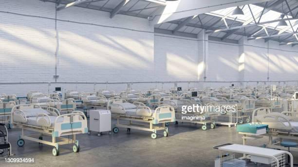 パンデミック倉庫の臨時病院 - 臨時 ストックフォトと画像