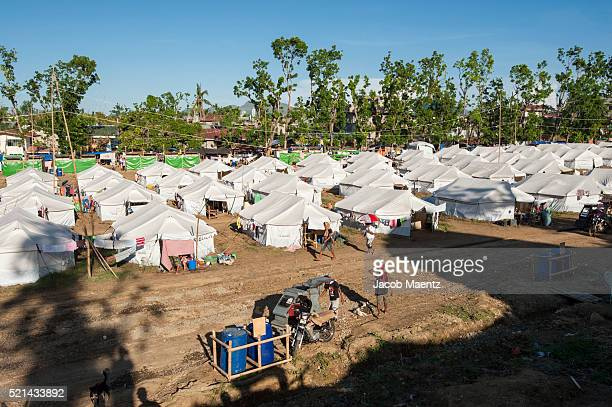 Temporary shelter for Typhoon Haiyan survivors