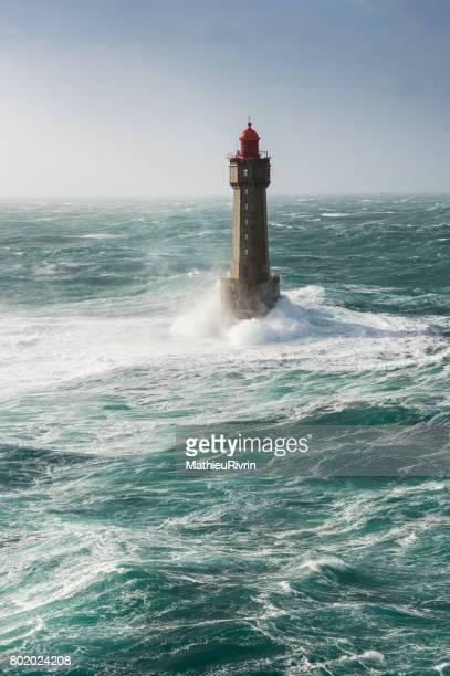 tempête au phare de la jument à ouessant - la jument stock pictures, royalty-free photos & images