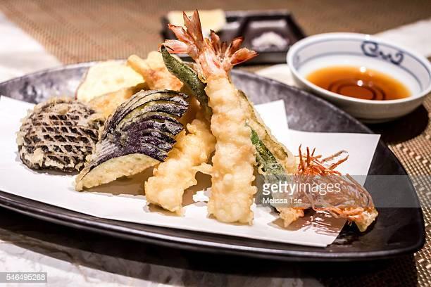 tempura platter - 天ぷら ストックフォトと画像