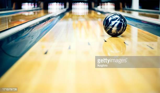 Ten pin bowling shoot