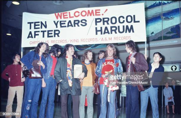 Ten Years After and Procol Harum welcomed to Tokyo at Haneda airport May 1972 Tokyo Japan Alvin Lee Leo Lyons Chick Churchill Ric Lee Gary Brooker...