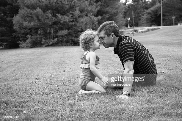 "tender moment between dad and his little girl. - ""martine doucet"" or martinedoucet stockfoto's en -beelden"