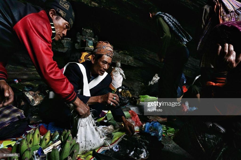Yadnya Kasada ceremony In Mount Bromo : News Photo