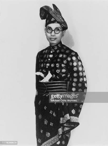 Tengku Alam Shah wearing royal Malay dress shortly before his coronation as Sultan Hisamuddin of Selangor circa 1938 He was later crowned Yang...