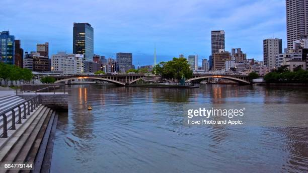 tenmabashi twilight - 現代的 stock pictures, royalty-free photos & images