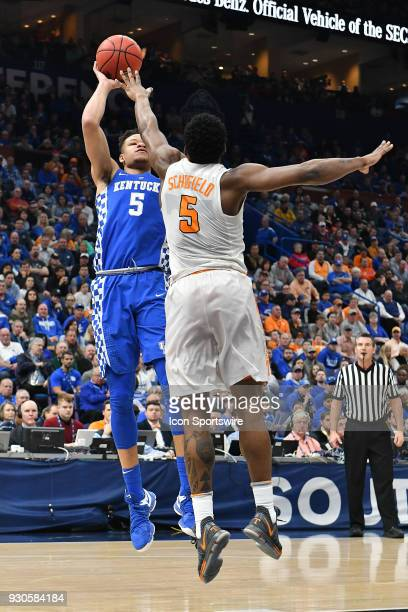Tennessee forward Admiral Schofield tries to block a shot by Kentucky forward Kevin Knox during a Southeastern Conference Basketball Tournament game...
