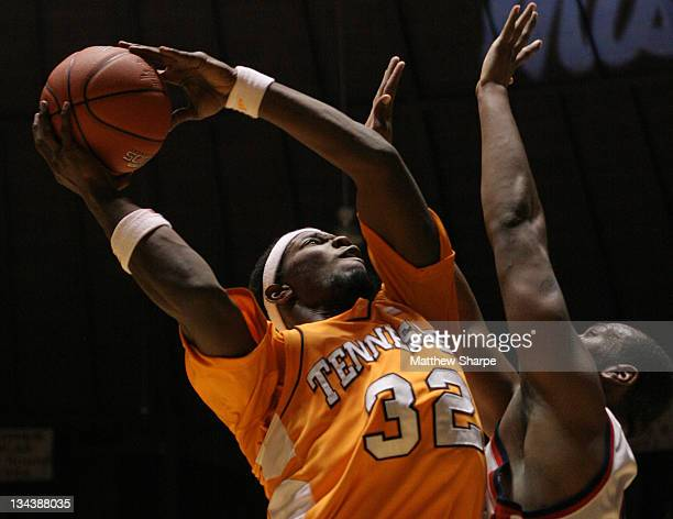 Tennessee forward Duke Crews shoots over Ole Miss forward Dwayne Curtis at the Tad Smith Coliseum in Oxford, Mississippi on January 24, 2007. Ole...