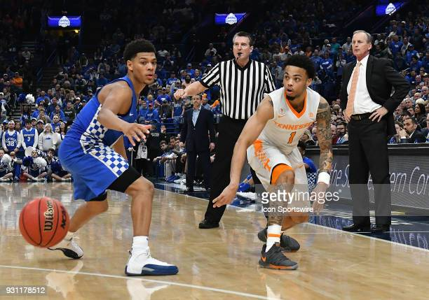 Tennessee guard Lamonte Turner passes the ball as Kentucky guard Shal GilgeousAlexander looks on during a Southeastern Conference Basketball...