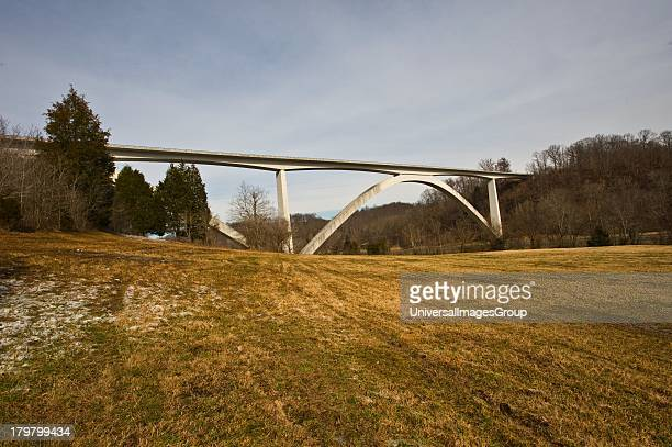 Tennessee Natchez Trace Parkway Double Arch Bridge over Birdsong Hollow Received Presidential Award for Design Excellence in 1995