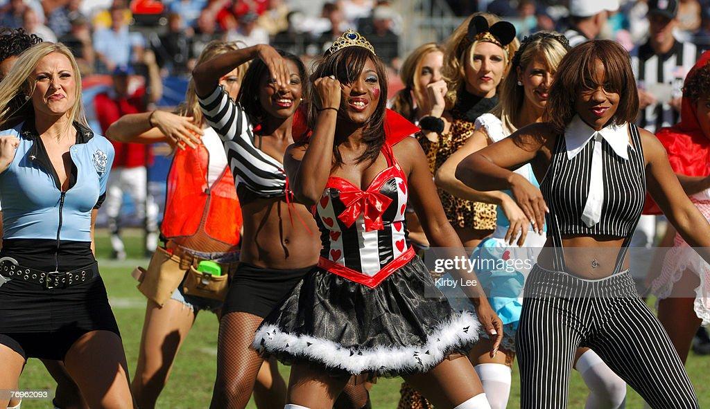Cheerleaders In Halloween Costumes & NFL Cheerleaders In Costume