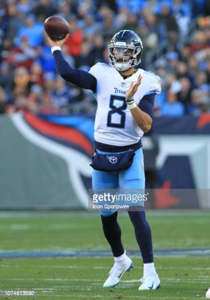 Tennessee Titans Quarterback Marcus Mariota throws a pass in the first half of a game between the Tennessee Titans and Washington Redskins December...
