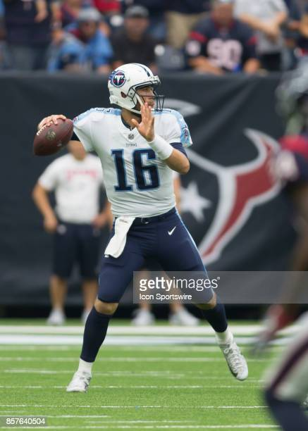 Tennessee Titans quarterback Matt Cassel throws for a pass during the NFL game between the Tennessee Titans and Houston Texans on October 1 2017 at...