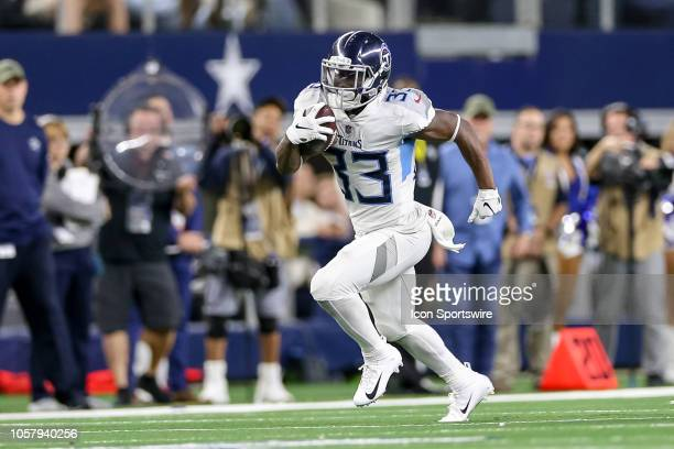 Tennessee Titans running back Dion Lewis breaks free down the sideline during the game between the Tennessee Titans and Dallas Cowboys on November 5...