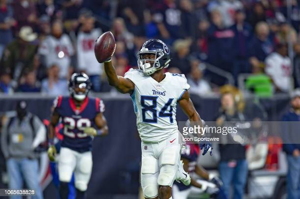 Tennessee Titans wide receiver Corey Davis celebrates on his way to a touchdown during the football game between the Tennessee Titans and Houston...