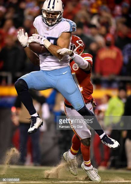 Tennessee Titans wide receiver Eric Decker catches the gamewinning touchdown in front of Kansas City Chiefs cornerback Eric Murray on Saturday Jan 6...