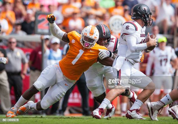 Tennessee Volunteers defensive lineman Jonathan Kongbo rushes around the corner during to a game between the Tennessee Volunteers and South Carolina...
