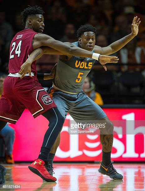 Tennessee Volunteers forward Admiral Schofield posting up against South Carolina Gamecocks forward Sedee Keita during a game between the South...