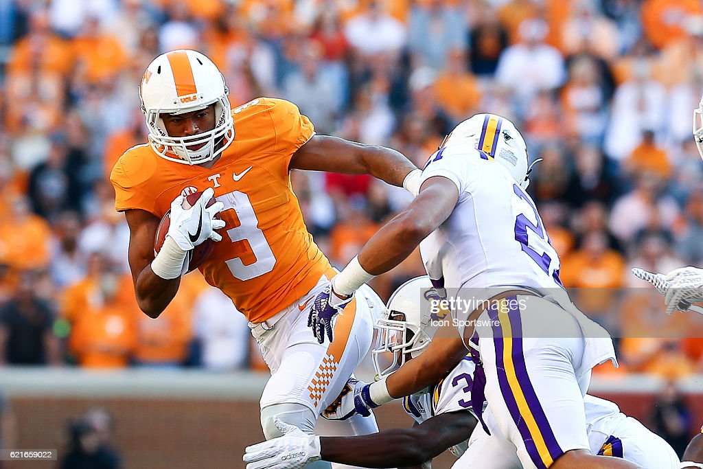 NCAA FOOTBALL: NOV 05 Tennesse Tech at Tennessee : News Photo