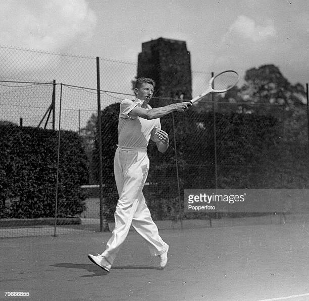 Tennis 13th June 1935 Wimbledon London US Tennis player Don Budge prepares at Wimbledon for the Davis Cup