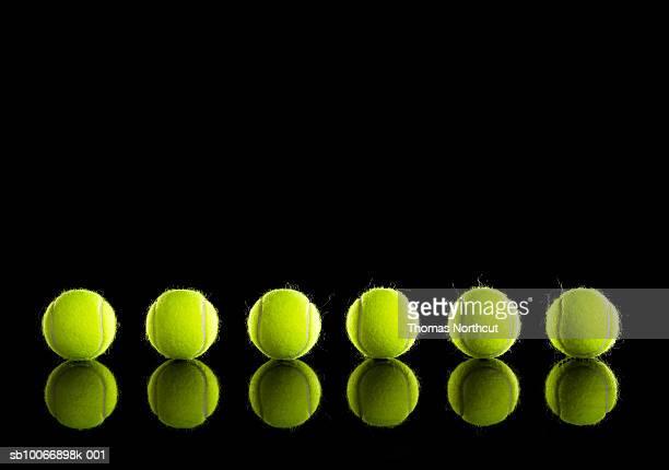 Palline da Tennis nella riga