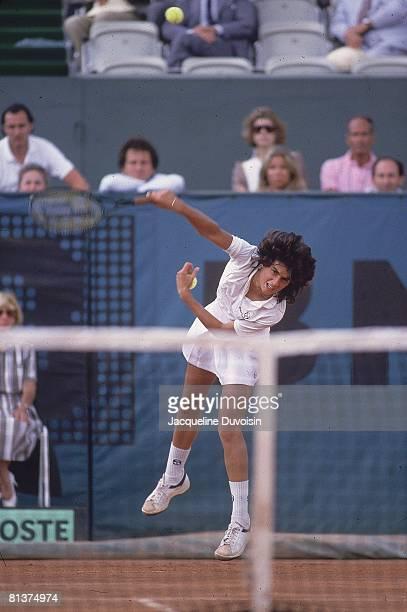 Tennis: French Open, Gabriela Sabatini in action during serve at Roland Garros, Paris, FRA 6/3/1985