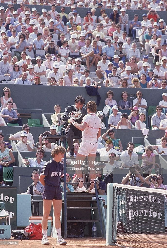 French Open, Jimmy Connors talking with umpire during match at Roland Garros, Paris, FRA 6/3/1985