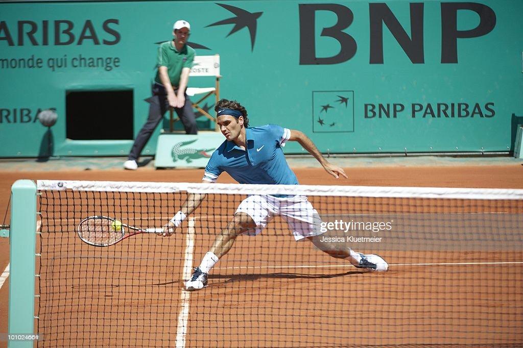 Switzerland Roger Federer in action vs Australia Peter Luczak during Men's 1st Round at Stade Roland Garros. Paris, France 5/24/2010
